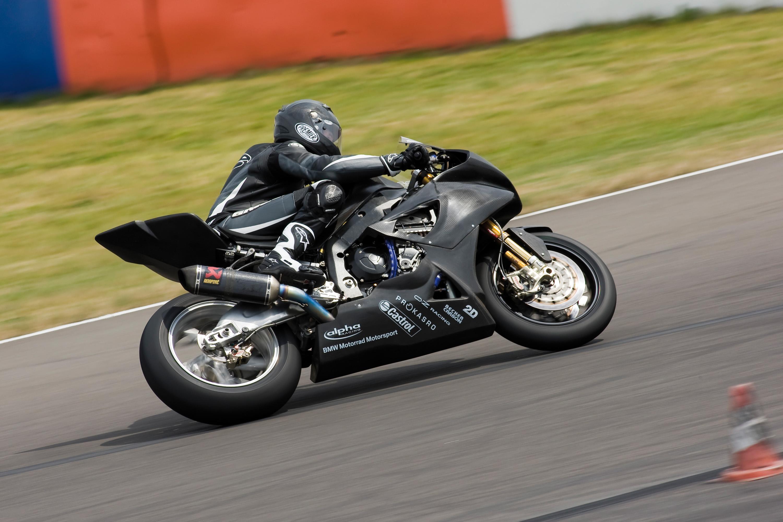 BMW Motorrad Superbike проект набирает обороты - фотография №2