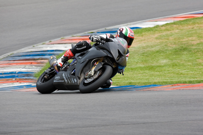 BMW Motorrad Superbike проект набирает обороты - фотография №3
