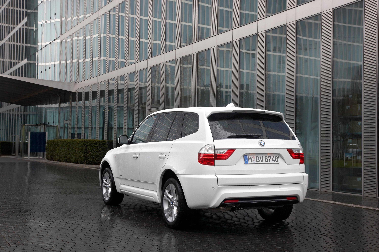 BMW X3 xDrive18d - фотография №1