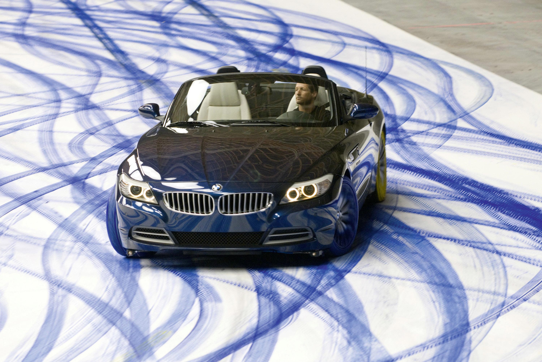 Выражение радости: картины динамики, созданные нового BMW Z4 - фотография №3