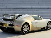 Bugatti Veyron Gold-colored