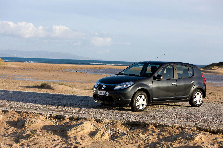 Дизельные версии Dacia Sandero доступны в коммерческой сети - фотография №6