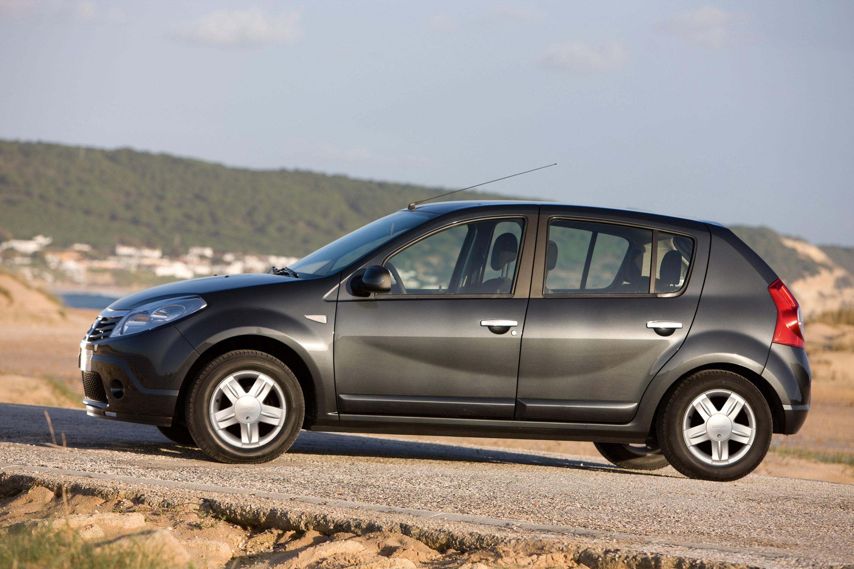 Дизельные версии Dacia Sandero доступны в коммерческой сети - фотография №7