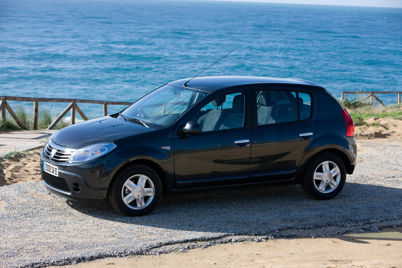 Дизельные версии Dacia Sandero доступны в коммерческой сети - фотография №11
