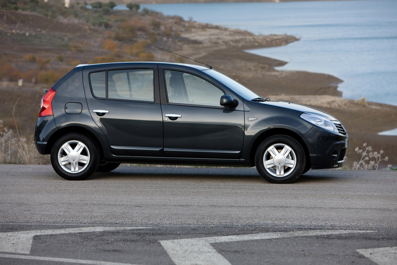 Дизельные версии Dacia Sandero доступны в коммерческой сети - фотография №12