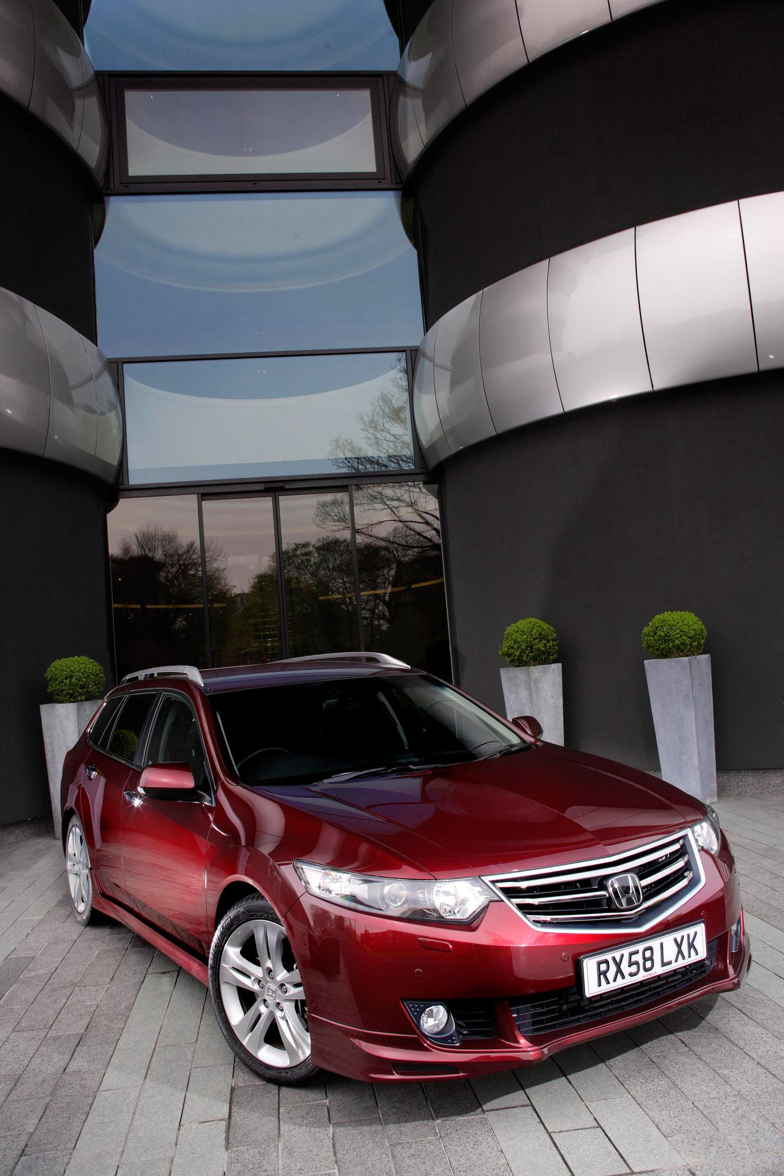 Acura в прямом эфире в 2011 TSX Sport Wagon премьера - фотография №2