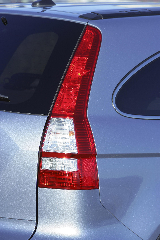 2009 Honda CR-V обеспечивает изысканный и стильный подход к записи-сегменте SUV - фотография №17
