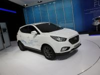 Hyundai ix35 Fuel Cell Paris 2012