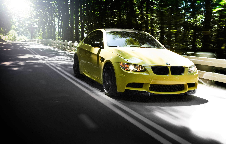 IND Дакар желтый BMW M3 E92 - фотография №9