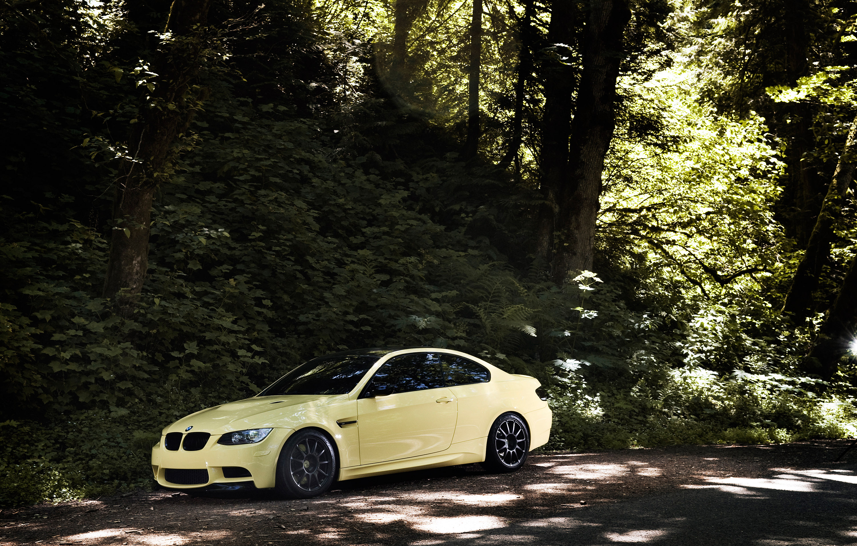 IND Дакар желтый BMW M3 E92 - фотография №15