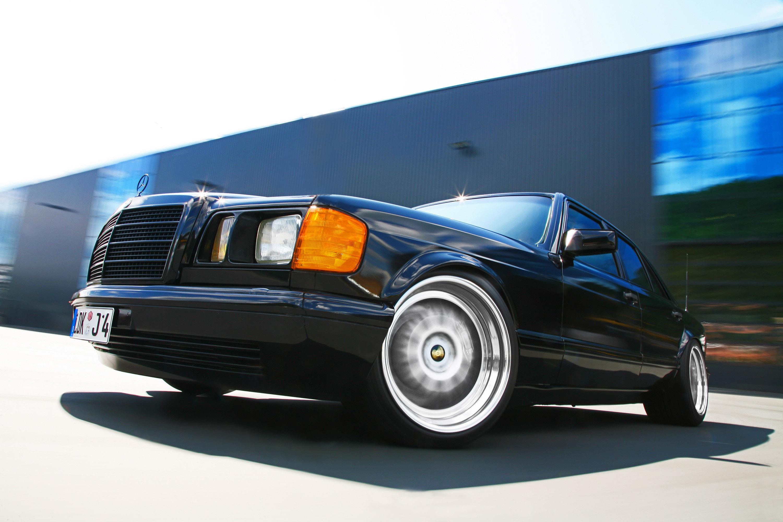 INDEN-Design Mercedes-Benz 560 SE - настоящий гангстерский автомобиль для бегства - фотография №1