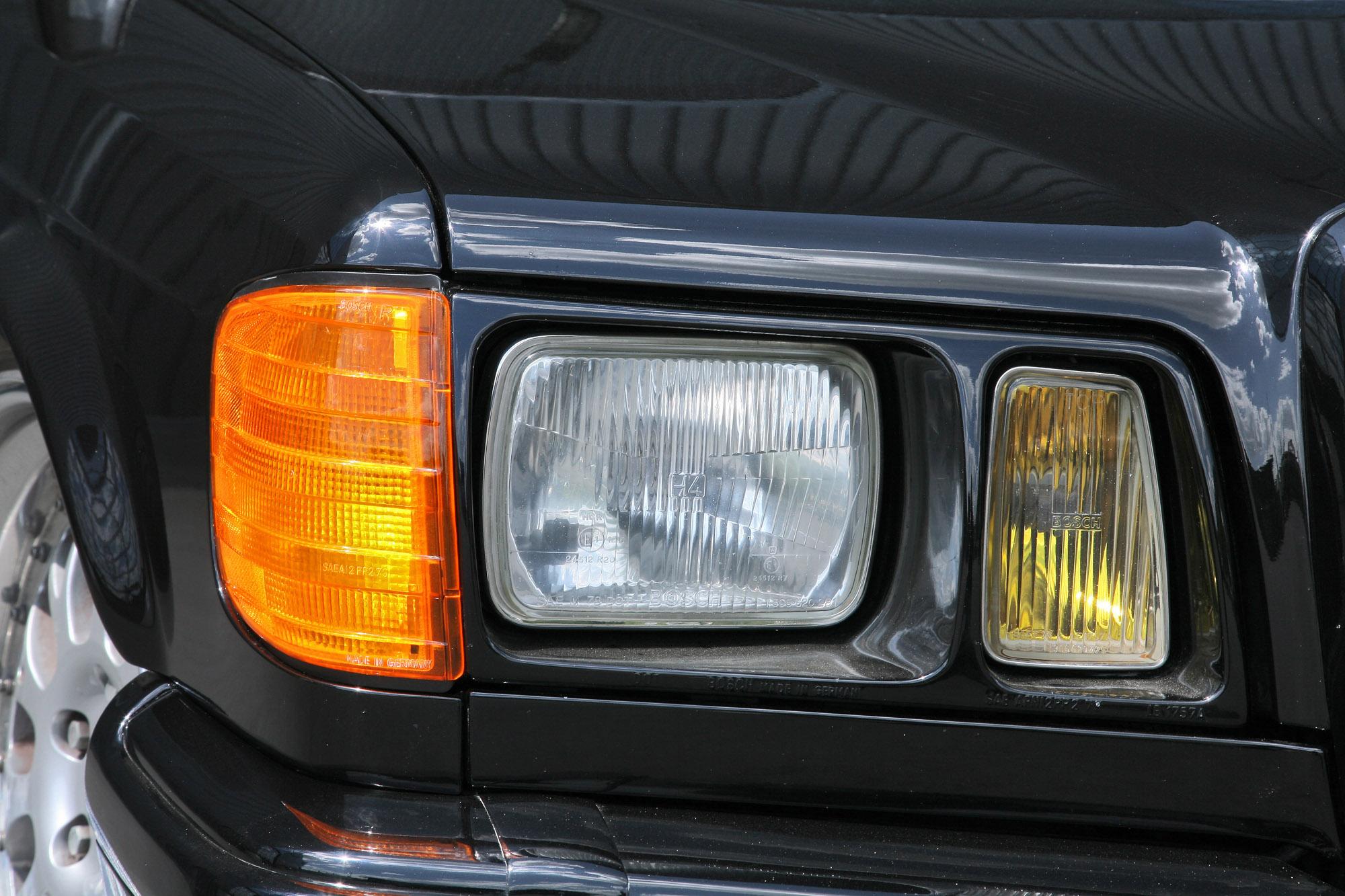 INDEN-Design Mercedes-Benz 560 SE - настоящий гангстерский автомобиль для бегства - фотография №8