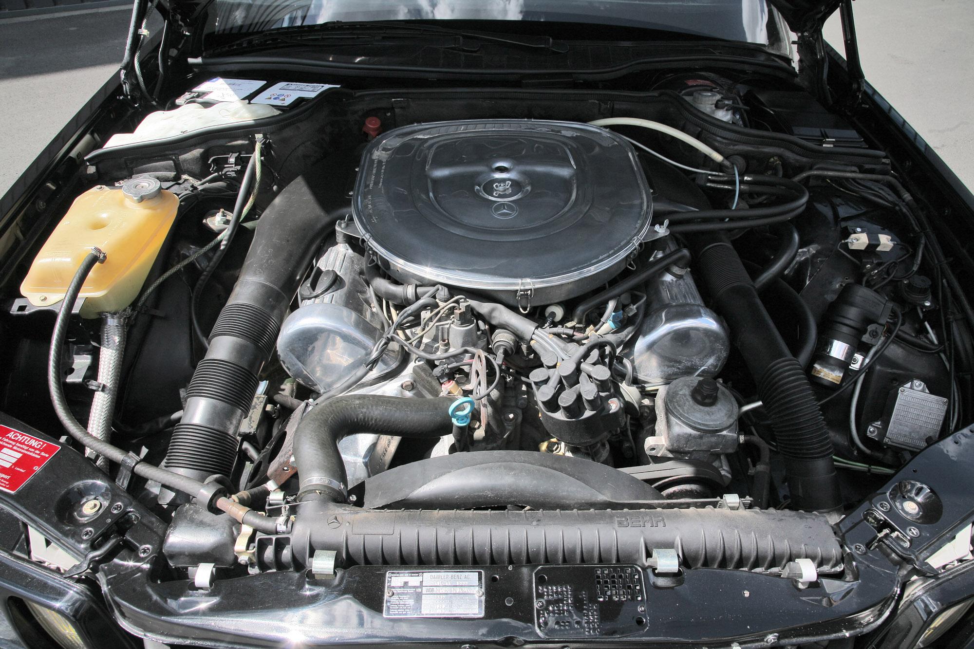 INDEN-Design Mercedes-Benz 560 SE - настоящий гангстерский автомобиль для бегства - фотография №10