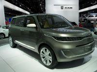 Kia KV7 Concept MPV Detroit 2011