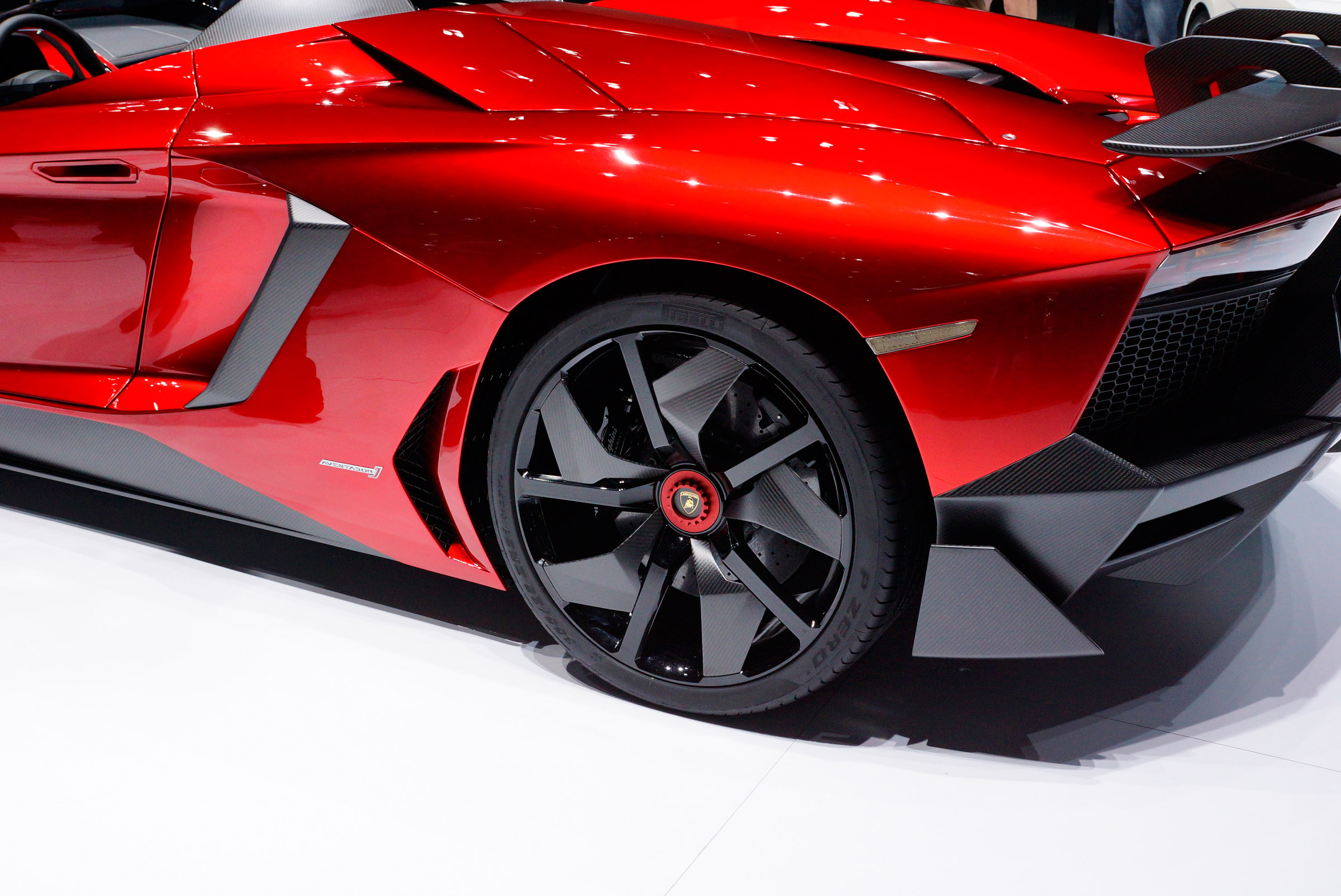 2012 Geneva Motor Show: Lamborghini Aventador J - фотография №1