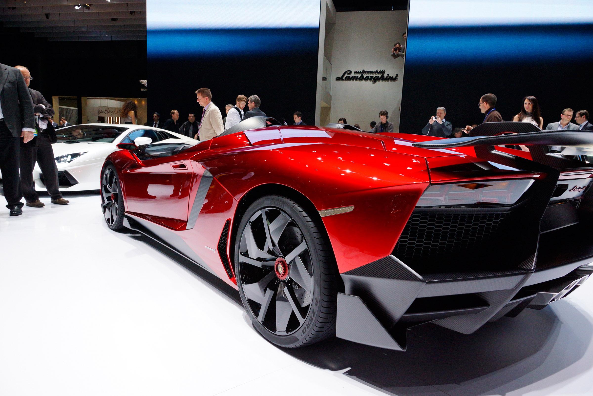 2012 Geneva Motor Show: Lamborghini Aventador J - фотография №6