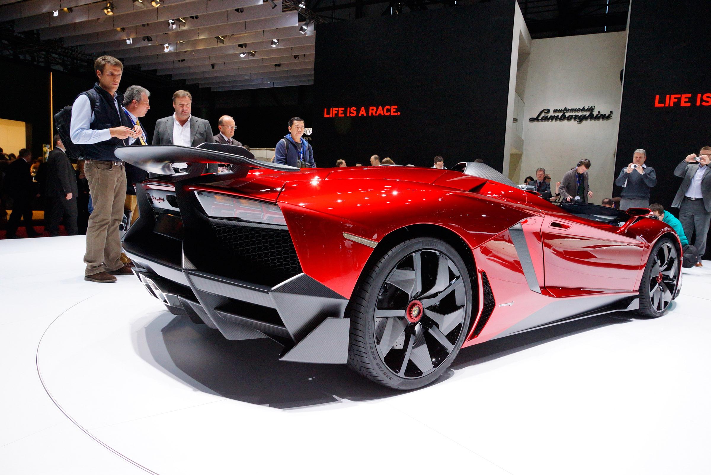 2012 Geneva Motor Show: Lamborghini Aventador J - фотография №8