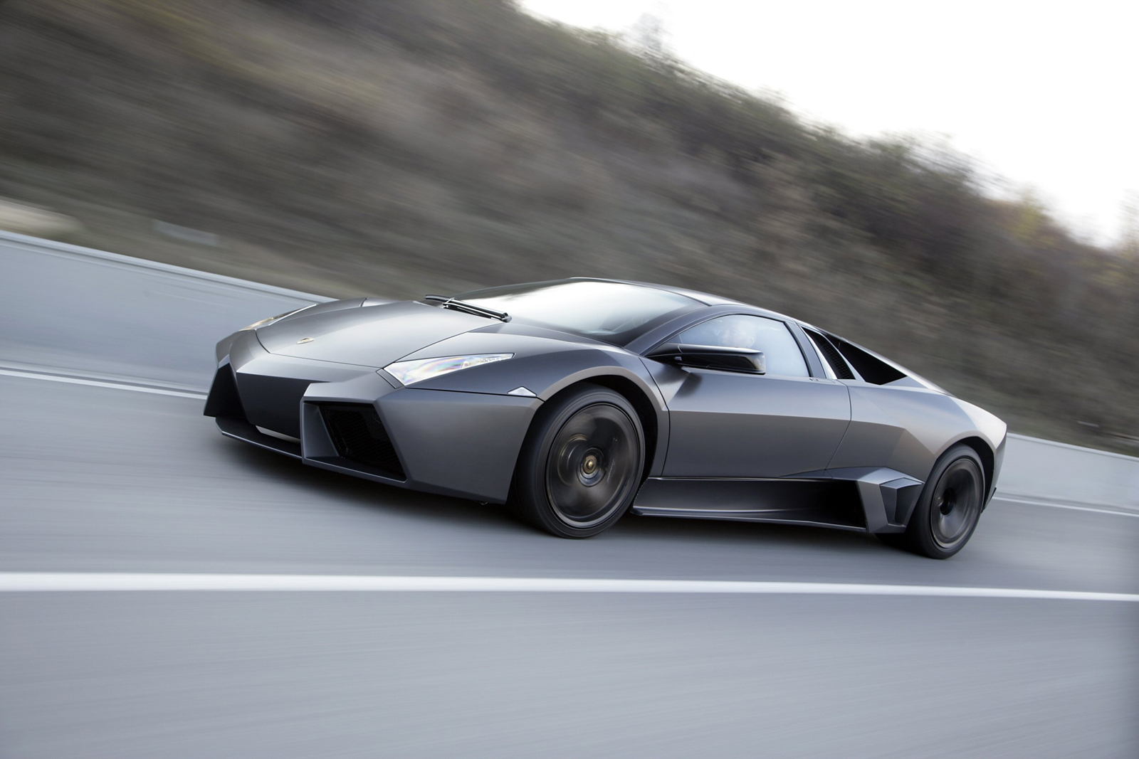 Lamborghini выбирает новый Алмаз черный Zircotec покрытия для Reventón - фотография №1