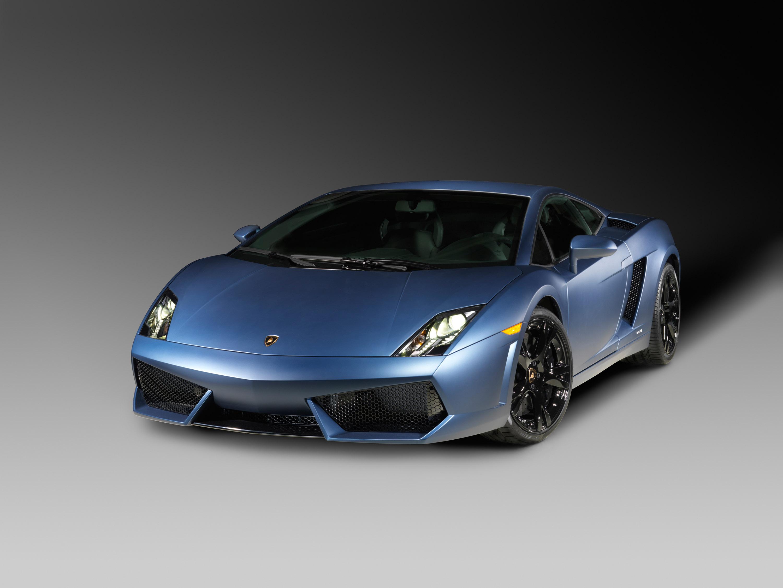 Lamborghini представлена очень индивидуальный супер спортивных автомобилей на автосалоне в Детройте - фотография №11