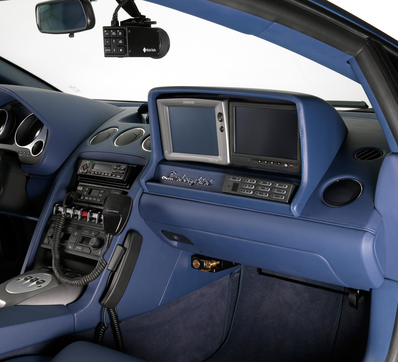 """Lamborghini отдает новых """"Gallardo LP560-4 Polizia"""" итальянской государственной полиции - фотография №4"""