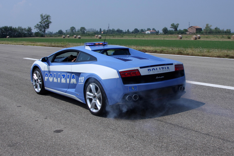 """Lamborghini отдает новых """"Gallardo LP560-4 Polizia"""" итальянской государственной полиции - фотография №10"""
