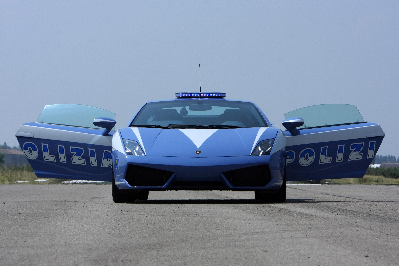 """Lamborghini отдает новых """"Gallardo LP560-4 Polizia"""" итальянской государственной полиции - фотография №11"""