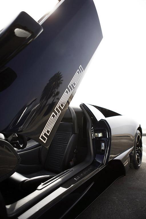 Новый Lamborghini Murcielago LP640 Roadster Versace и эксклюзивные LP640 Versace Collection - фотография №4
