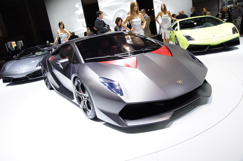 Lamborghini Sesto Elemento официально премьера состоялась в Париже 2010 - фотография №10