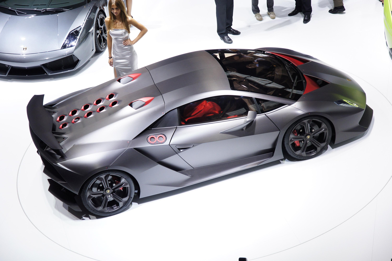 Lamborghini Sesto Elemento официально премьера состоялась в Париже 2010 - фотография №11