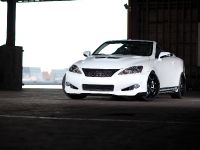 Lexus IS 350C 0-60 Magazine