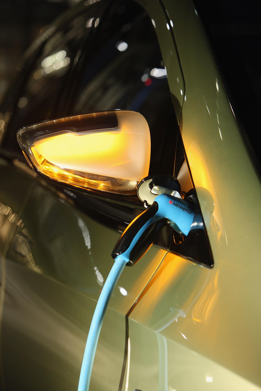 Mercedes-Benz Concept BlueZERO: три раза доказательством повседневная практичность нулевым уровнем выбросов транспортных средств - фотография №18