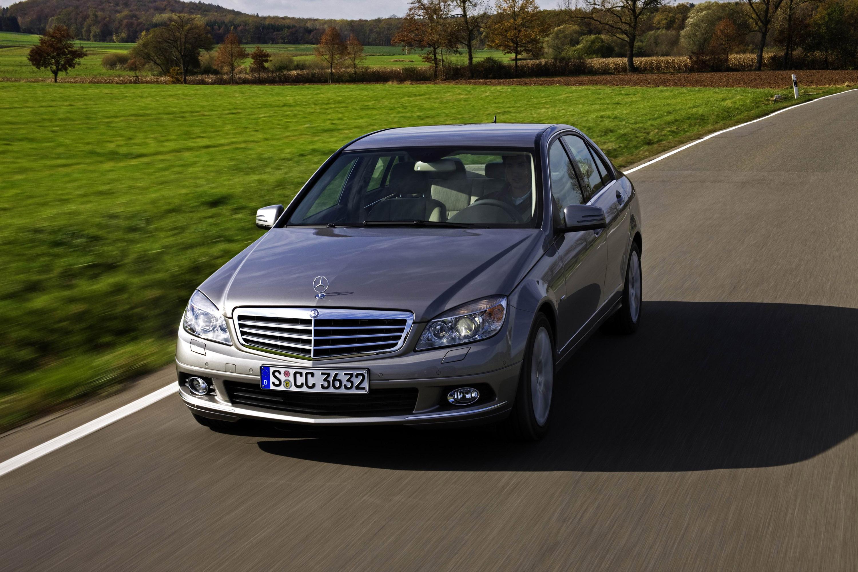 Mercedes-Benz C 350 CGI BlueEFFICIENCY - фотография №1
