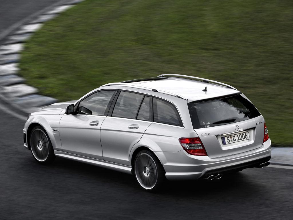Mercedes-Benz C 63 AMG Estate - фотография №3