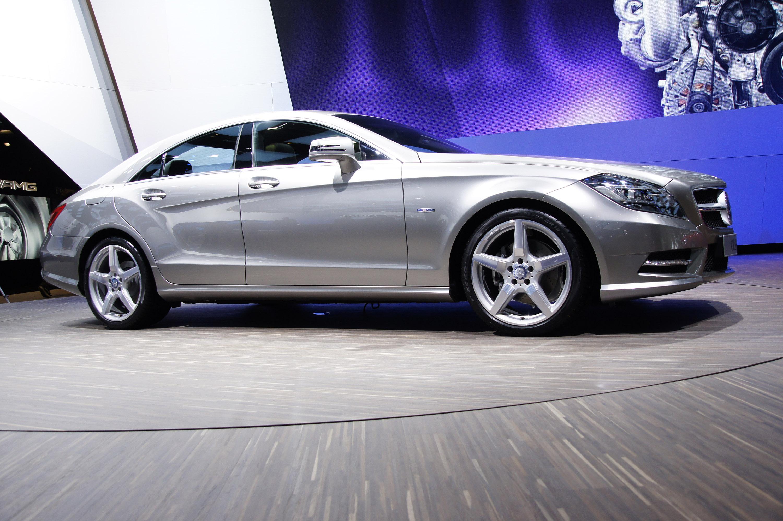 2012 Mercedes-Benz CLS сделать свой официальный дебют в Париже - фотография №2