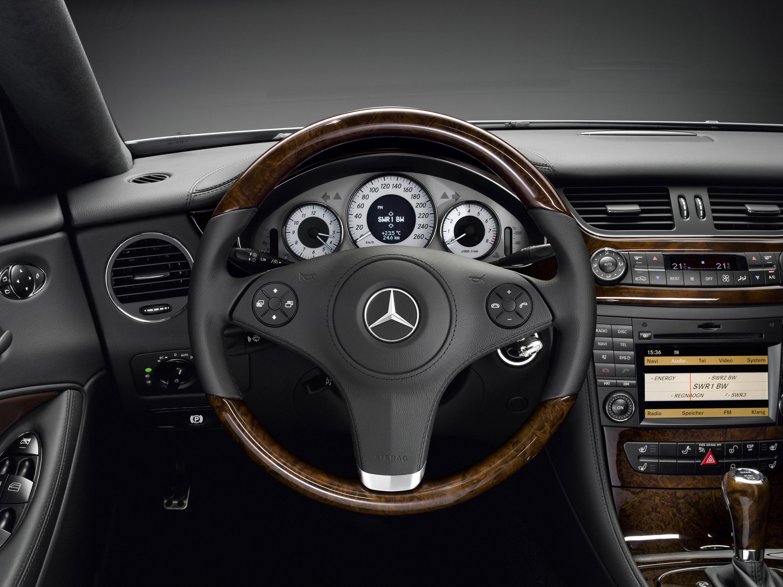 Mercedes-Benz CLS Grand Edition: эксклюзивный стиль, концентрированный элегантность и захватывающие линии - фотография №11
