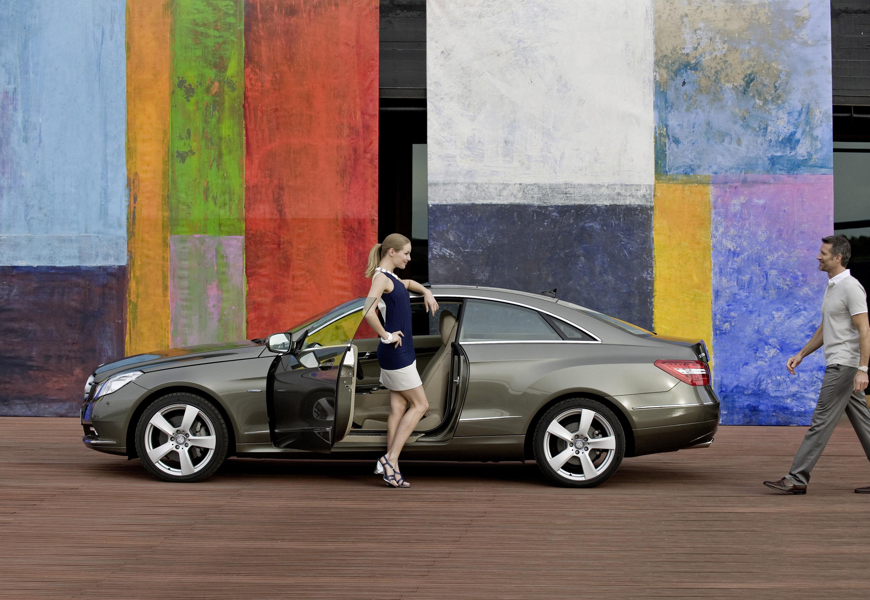 Mercedes-Benz E-350 CDI Coupe [фотографии автомобиля] - фотография №6