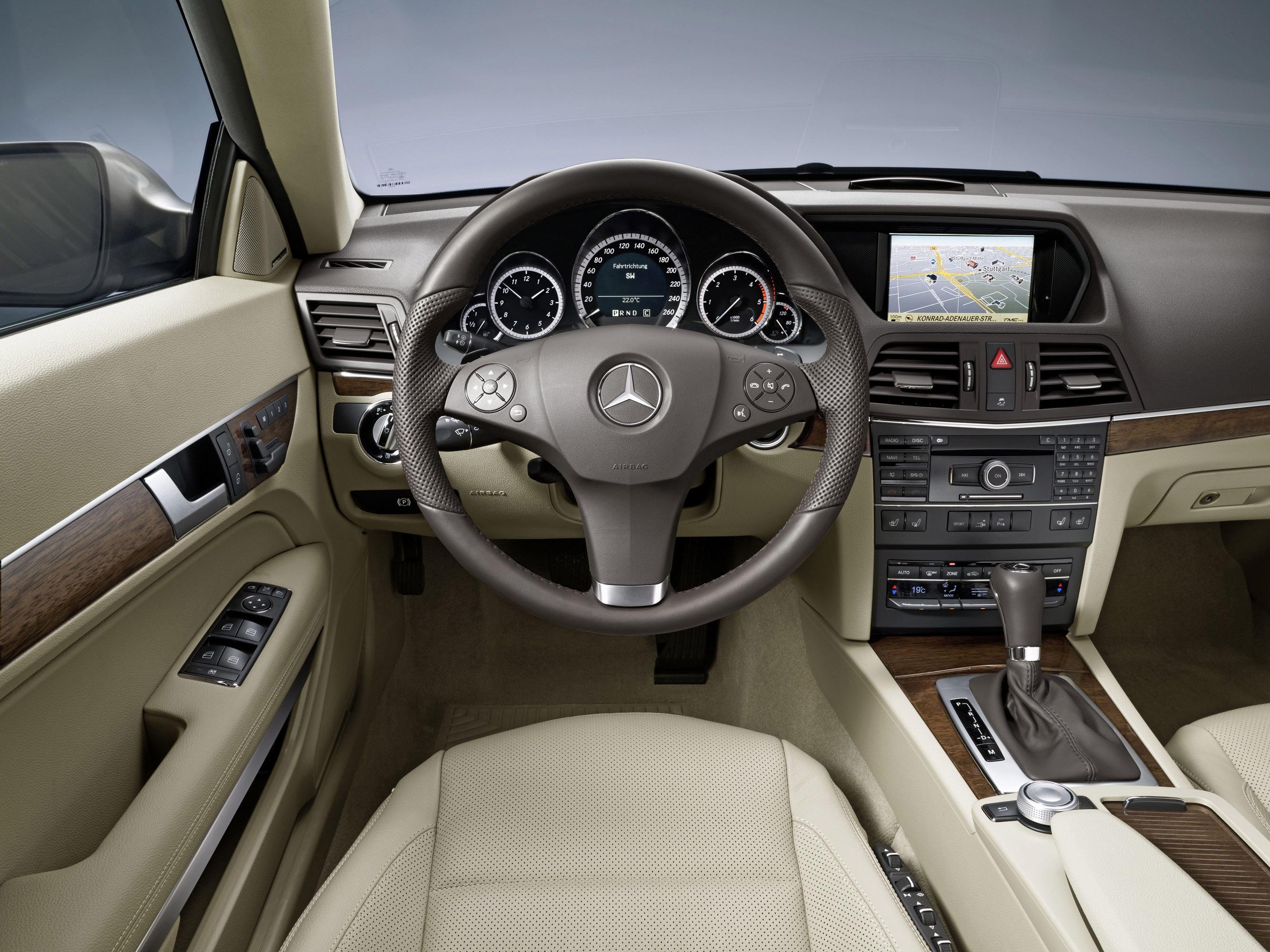 Mercedes-Benz E-350 CDI Coupe [фотографии автомобиля] - фотография №11