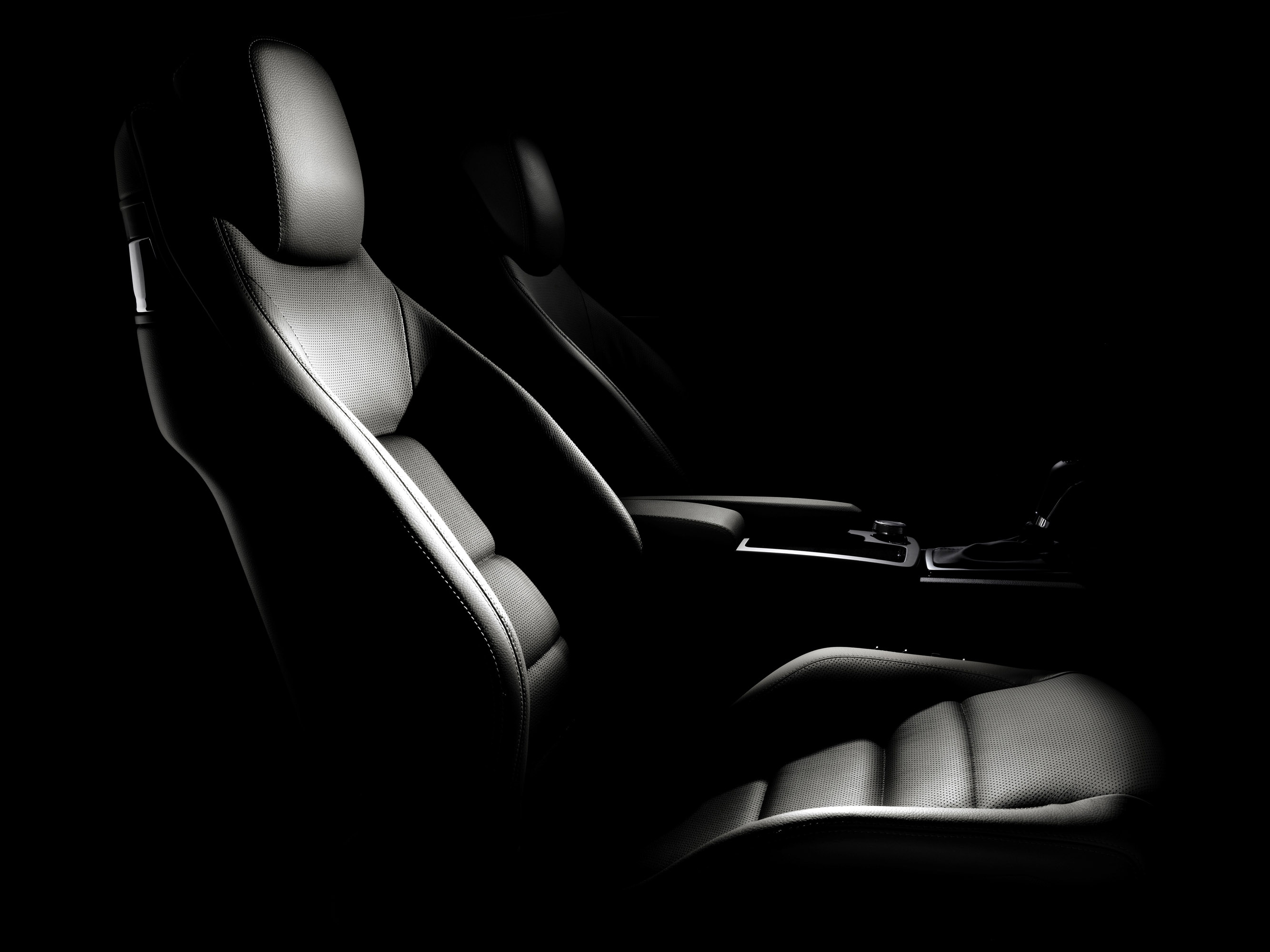 Mercedes-Benz E-350 CDI Coupe [фотографии автомобиля] - фотография №14