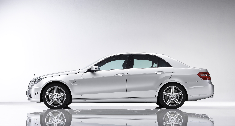 Mercedes-Benz E63 AMG седан - фотография №2