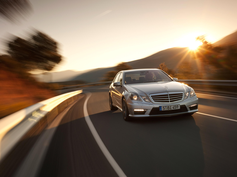 Mercedes-Benz E63 AMG седан - фотография №6