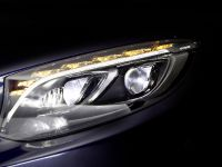 Mercedes-Benz MULTIBEAM LED headlamps