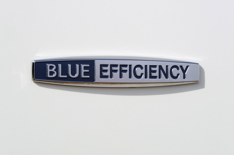 Mercedes-Benz S 320 CDI BlueEFFICIENCY: самые экономные S-класса, когда-либо - фотография №2