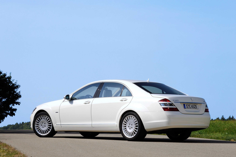 Mercedes-Benz S 320 CDI BlueEFFICIENCY: самые экономные S-класса, когда-либо - фотография №3