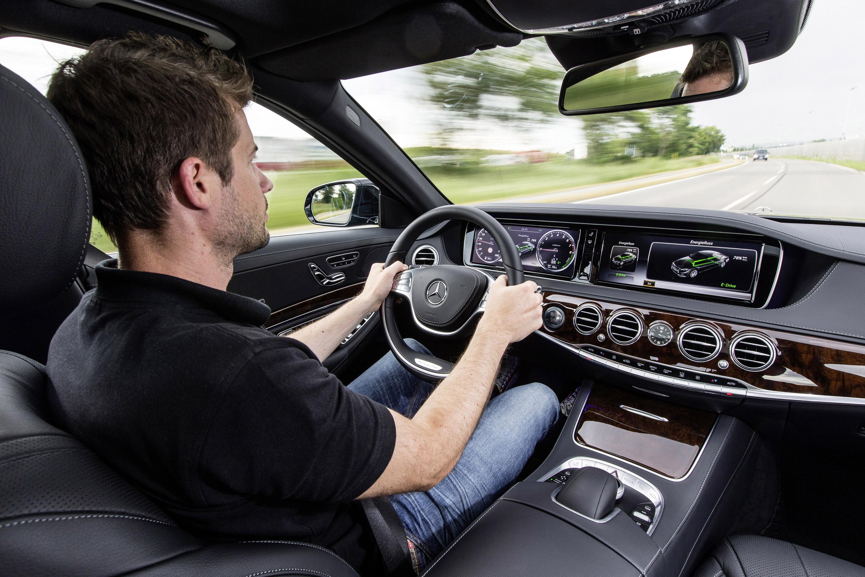 Mercedes-Benz S 500 Plug-In Hybrid-это длинная Колесная база только в Великобритании - фотография №3