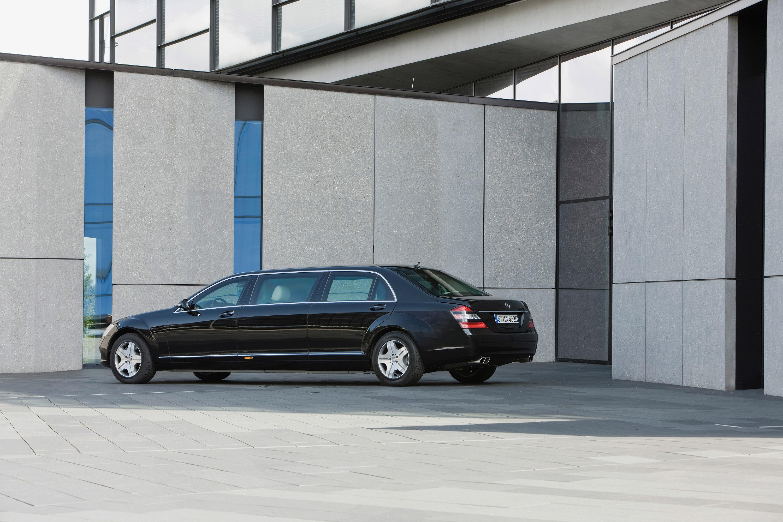 Новый Mercedes-Benz S 600 Pullman Guard - фотография №6