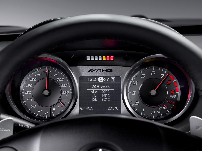 Интерьер Mercedes-Benz SLS AMG - фотография №4