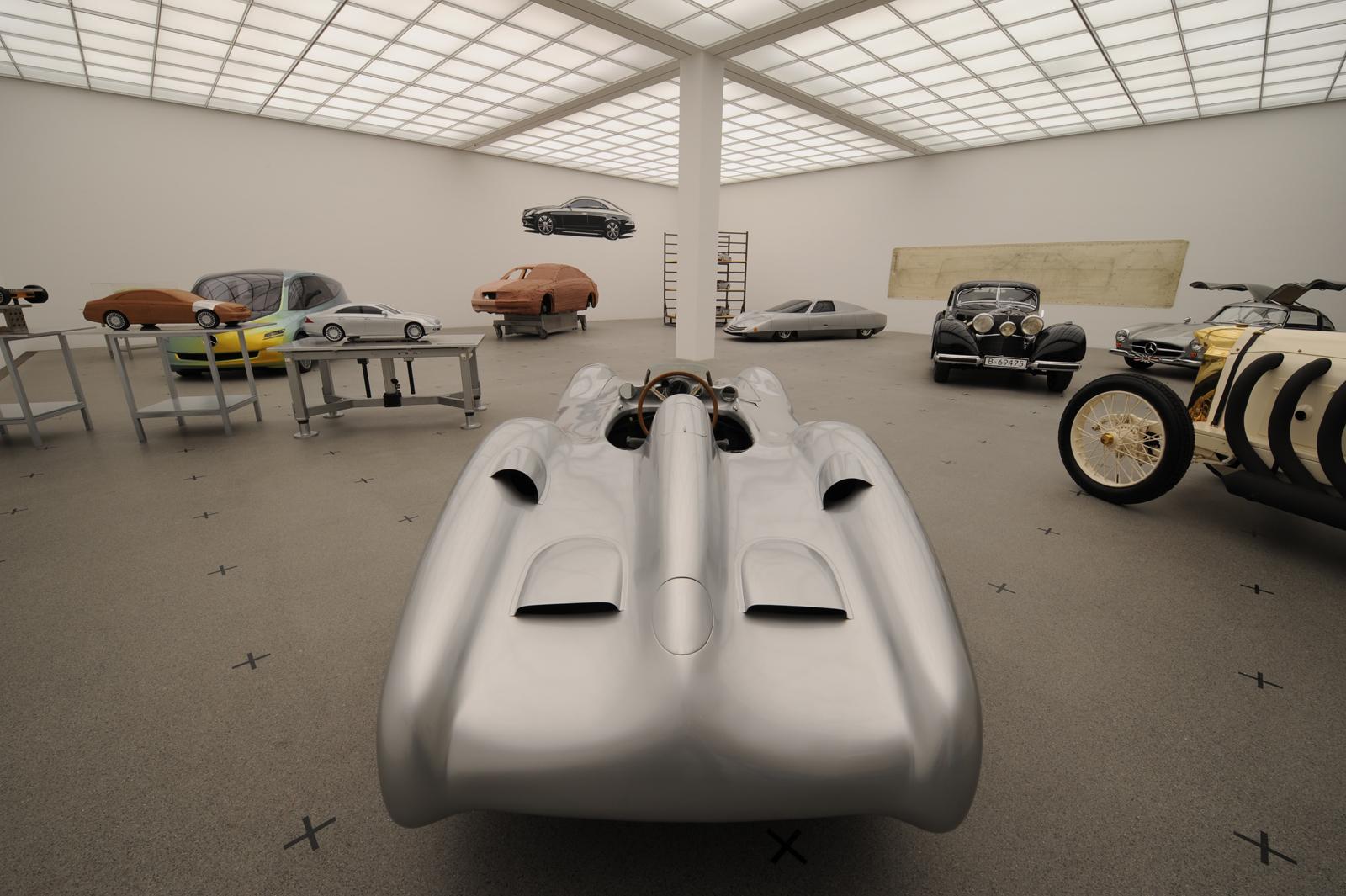 """Выставка """"вехи истории автомобильного дизайна - пример Mercedes-Benz"""" в Pinakothek der Moderne) в Мюнхене - фотография №6"""