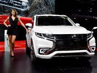 Mitsubishi Outlander PHEV Concept-S Paris 2014