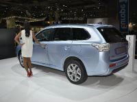 Mitsubishi Outlander PHEV Paris 2012