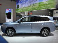 Mitsubishi Outlander Plug-In Hybrid Frankfurt 2013
